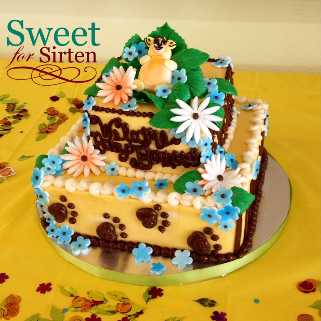 King of the Jungle baby shower cake by Sweet For Sirten.