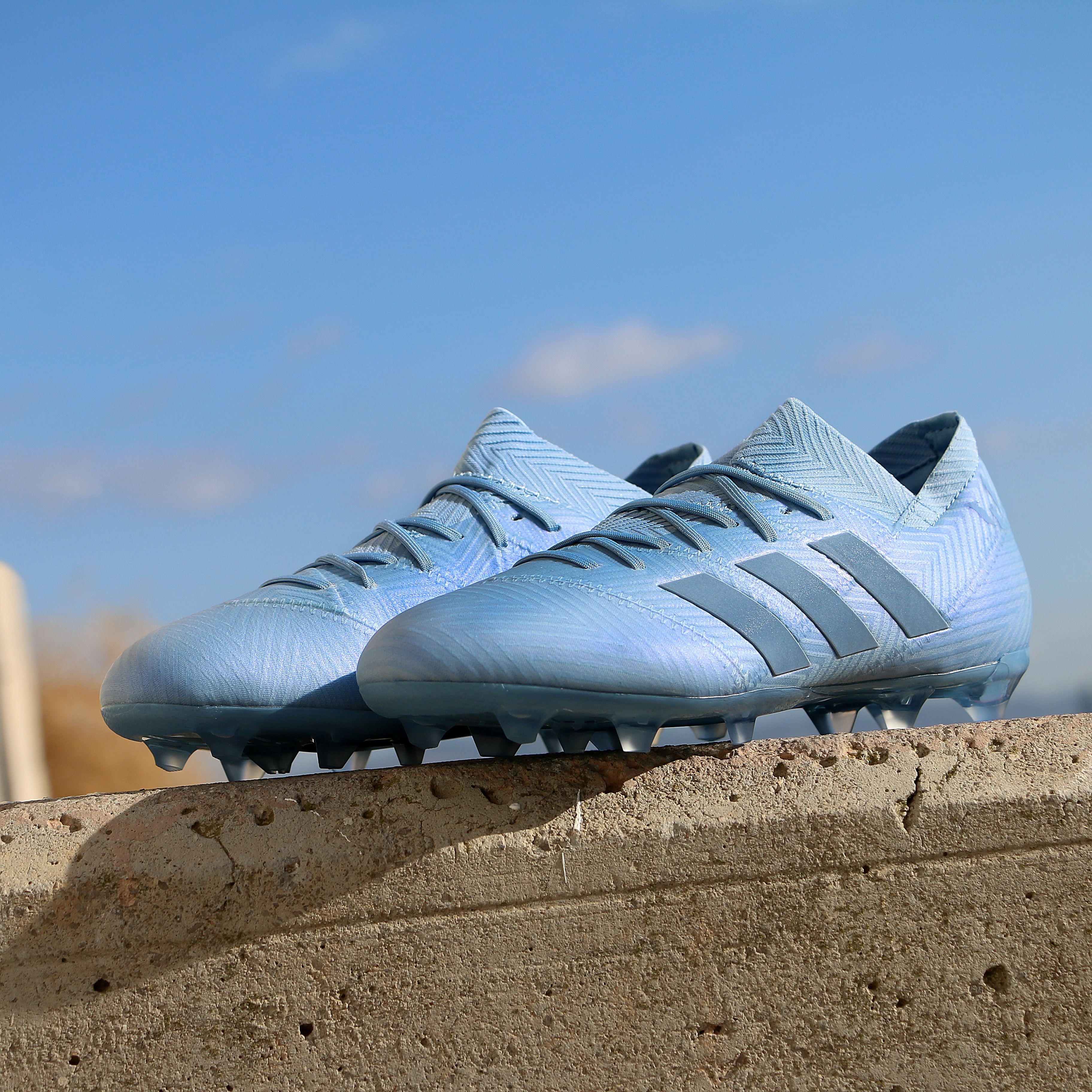 fractura El actual adolescente  Haz realidad su sueño! Nuevas botas y zapatillas adidas Messi. #adidas # messi #futbolmania @marcelasansalv… | Botas de futbol, Tacos de fútbol,  Messi y ronaldinho