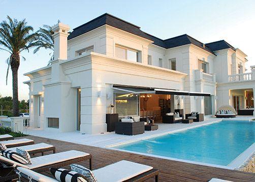 Apa arquitectura mansiones estilo cl sico franc s for Fachadas de casas estilo clasico