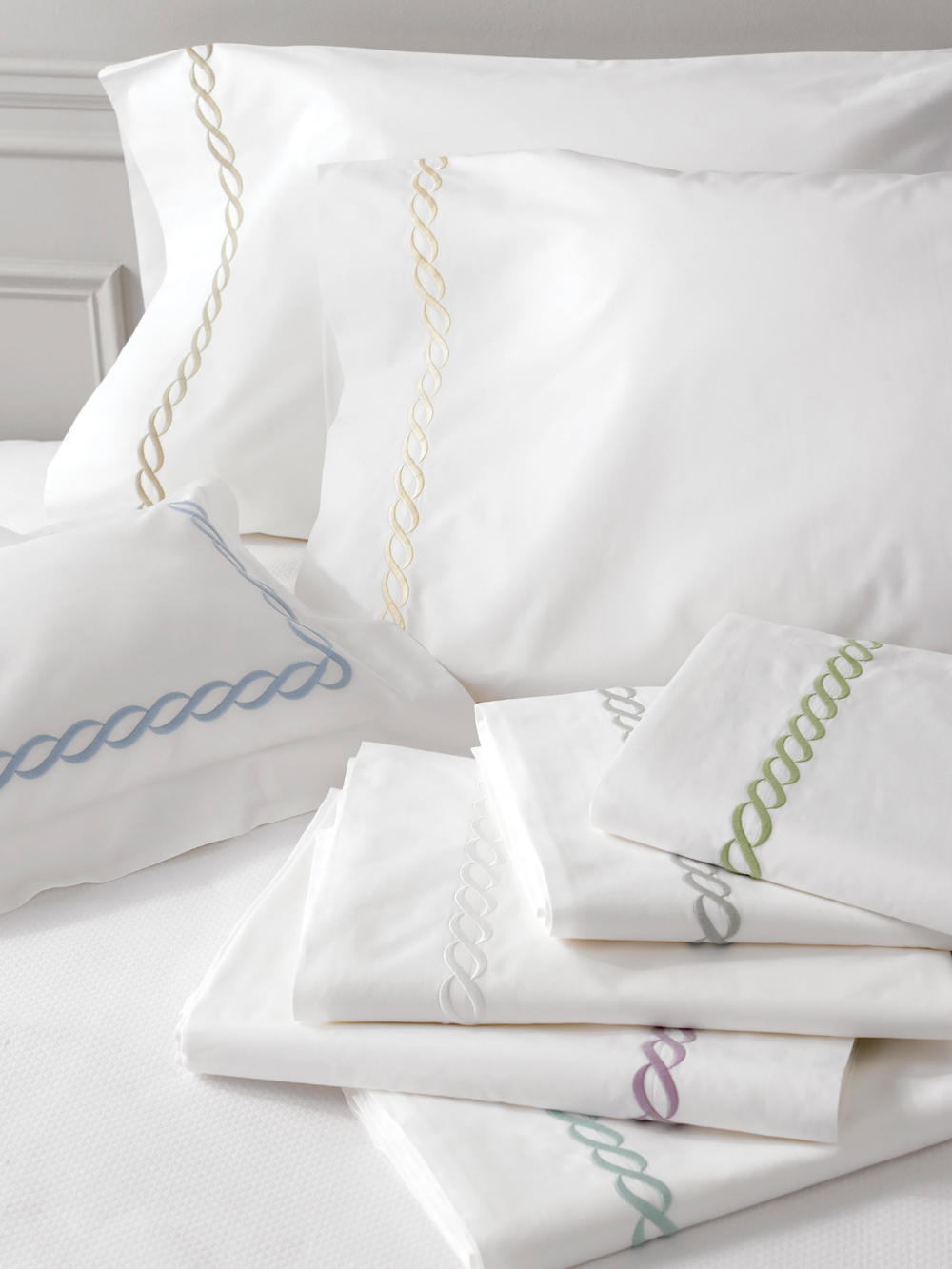 Classic Chain Duvet Cover Matouk Luxury Linens (With