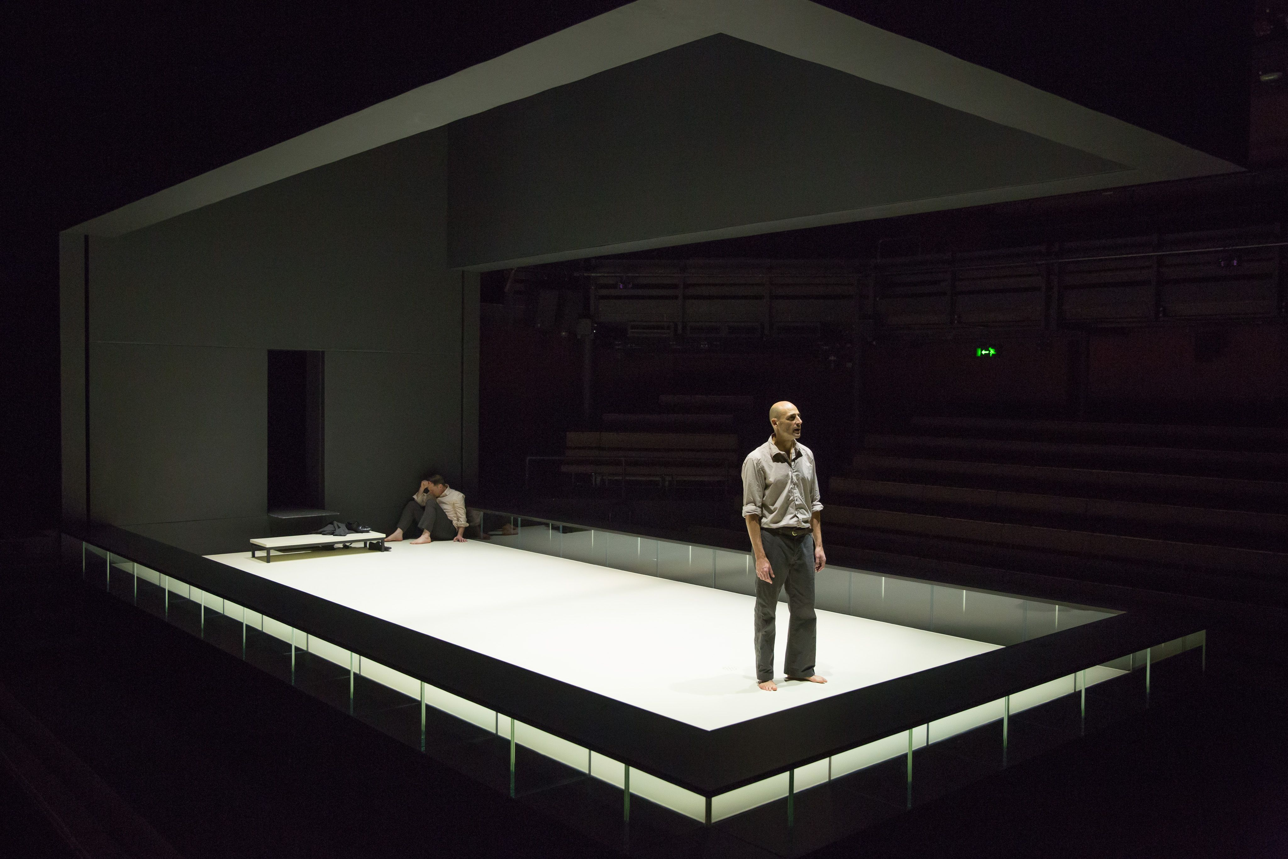 Something Perversely Pure The Resurrected Corpus Of Ivo Van Hove S A View From The Bridge Scenic Design Theatres Scenic Design Set Design Theatre