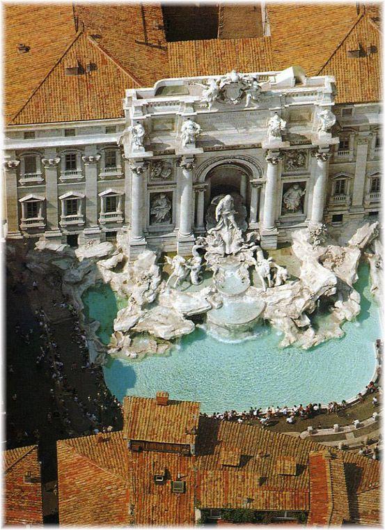 Fontana di Trevi / Trevi Fountain. Rome, Italy origins