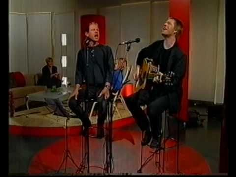 The Gang Corporation / Klovnen - TV2 ØST (2000)  Svend Christensen: Guitar,vocal. - Ronnie Griesau: Vocal.  https://sites.google.com/site/svendchristensen25/kultur/moen-musikfestival