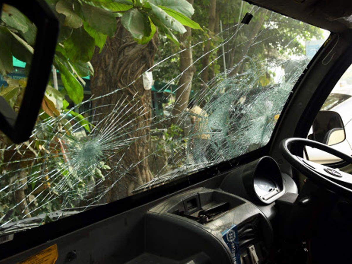 Mum 30 Year Old Held For Vandalising Vehicles India Mumbai