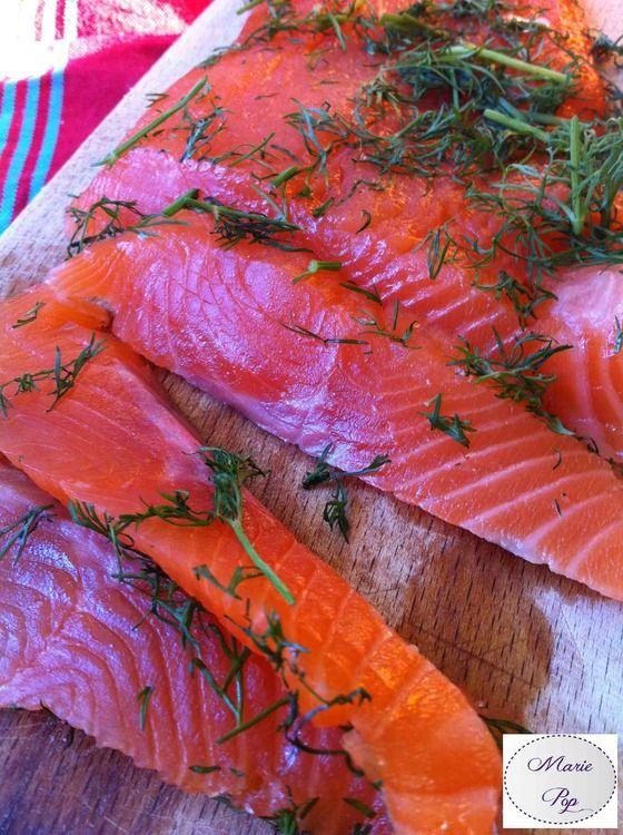 Recette de Saumon gravlax à la vodka et aux baies roses : la recette facile
