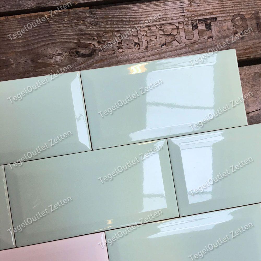 Wandtegel metro 10x20 licht groen glans bestel je eenvoudig bij tegels in huis badkamer for Badkamer tegel metro
