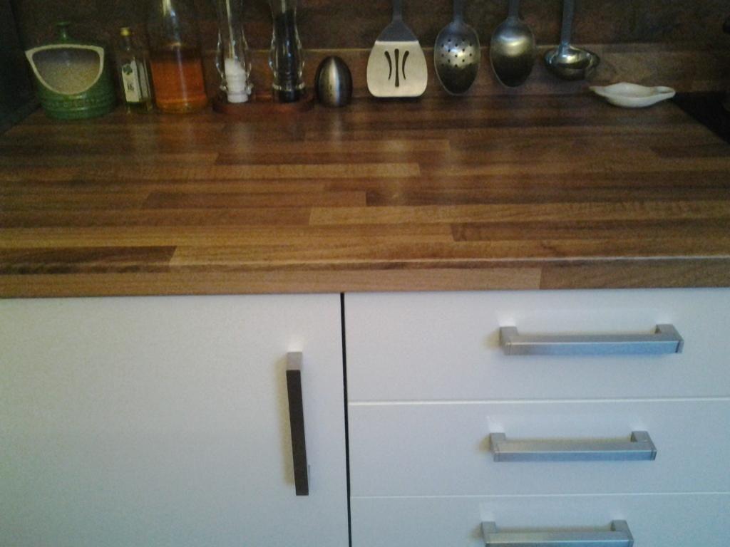 Duropal Kitchen 40mm Worktop Bench In Block Walnut Effect Laminate 2  Lengths   1900mm And 1600mm
