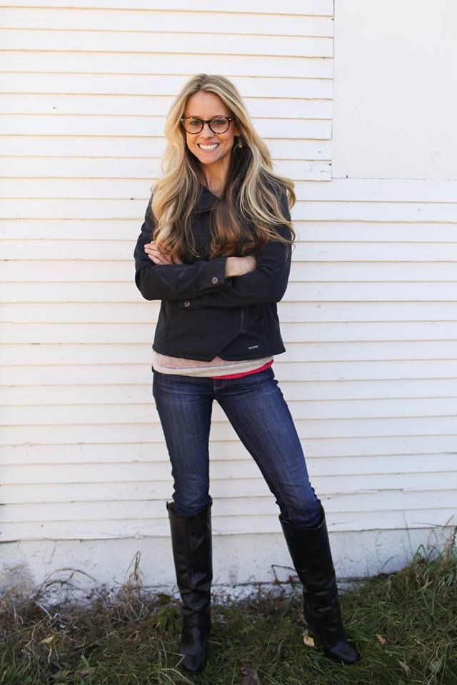 Nicole curtis hair color