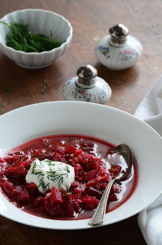 Borscht russian style beet soup purple pinterest for Cocinar remolacha