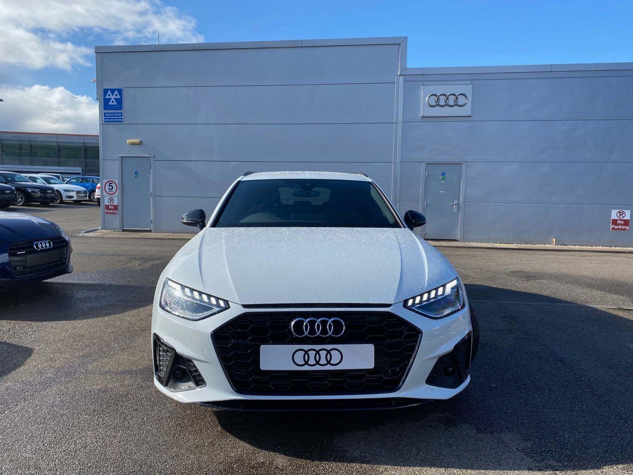Audi A4 Avant 2 0 Tfsi 40 Black Edition Avant S Tronic S S 5dr In 2020 Audi A4 Avant Audi A4 Audi