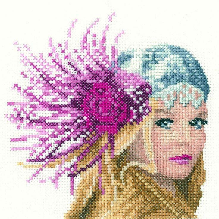 0 point de croix chapeau à plumes - cross stitch hat with feathers