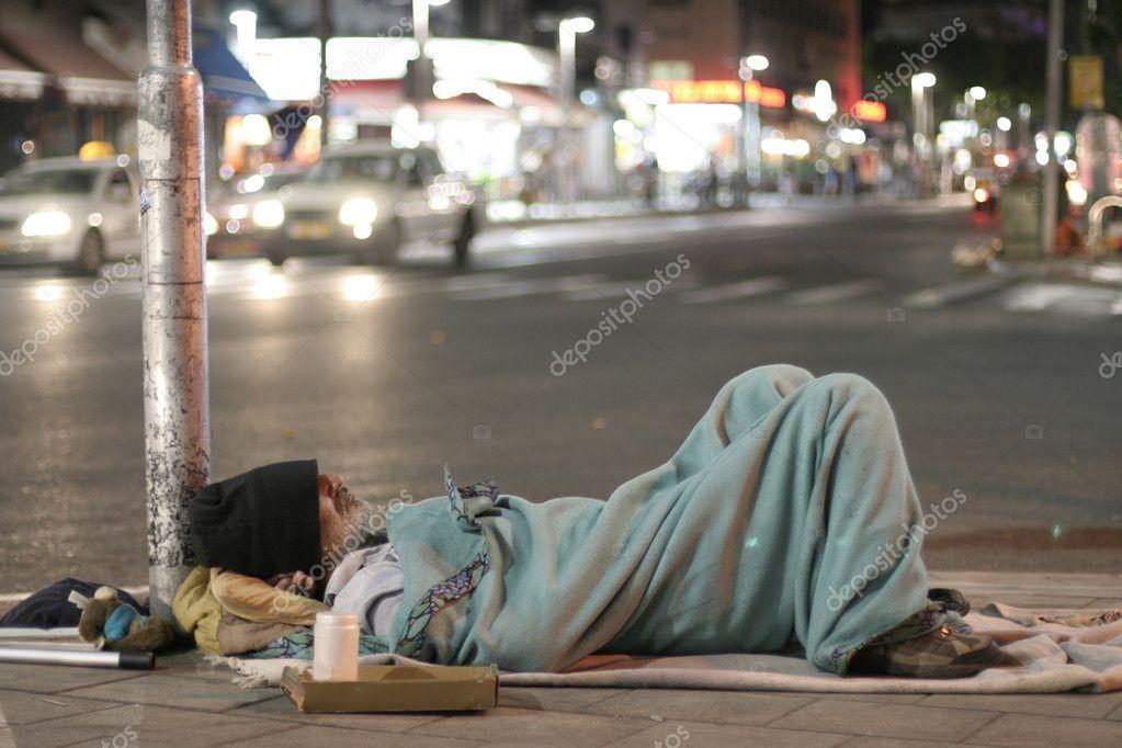 Male Homeless Sleeping In A Street Stock Photo Sponsored Sleeping Homeless Male Photo Ad Situacion De Calle Gente Sin Hogar Gente Durmiendo