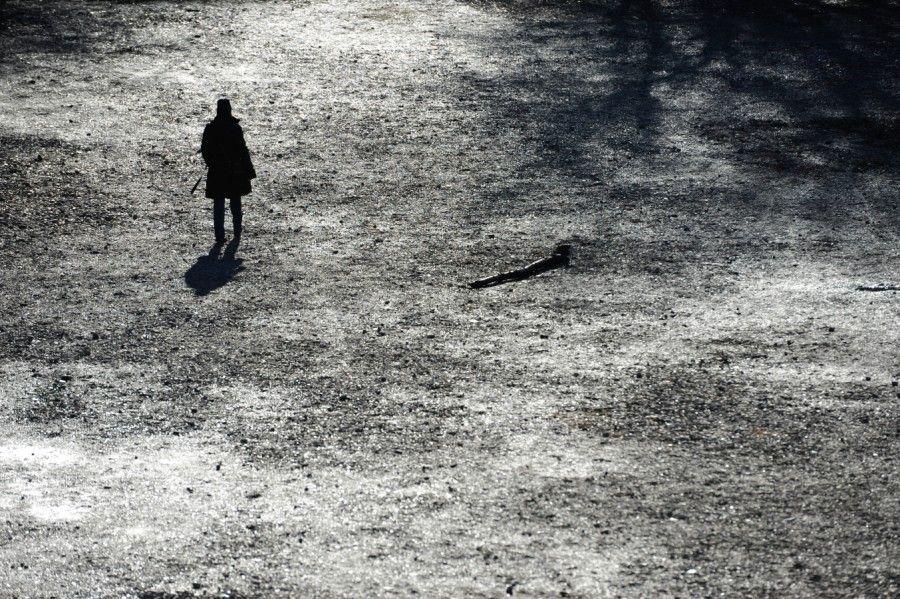 Was die Depression mit Menschen macht http://www.sueddeutsche.de/kultur/fruehe-erzaehlung-von-david-foster-wallace-was-die-depression-mit-menschen-macht-1.2450421