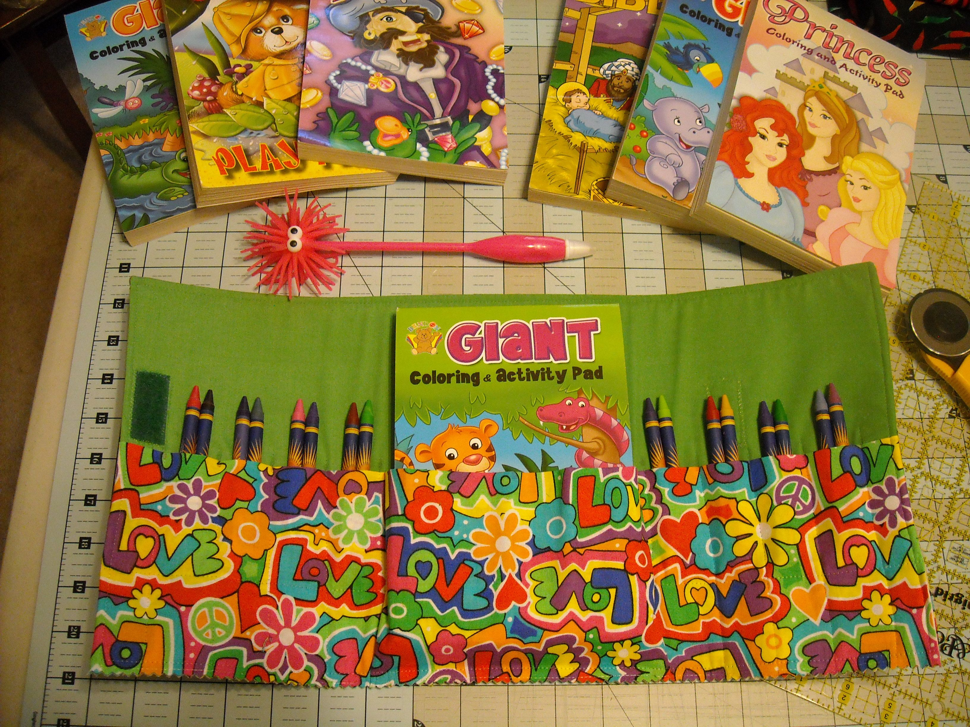 Cleo\'s Crafts & Creations: Large Crayon/Coloring Book Holder ...