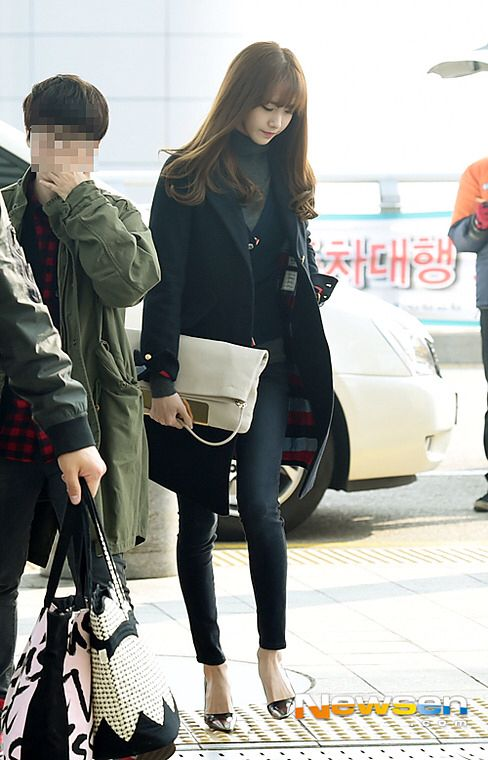 Snsd Girls Generation Gg Airport Fashion Korean Style Kpop Yoona Classy Winter Style 2015 Trench