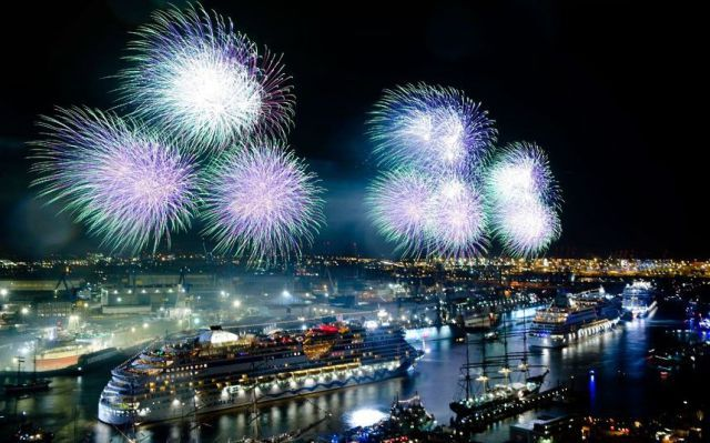 Cool Cruise Ships Fireworks Awesome CRUISE SHIP TRAVEL - Awesome cruise ships
