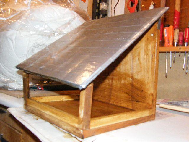 fabrication maison mangeoires oiseaux animaux du jardin pinterest fabrication maison. Black Bedroom Furniture Sets. Home Design Ideas