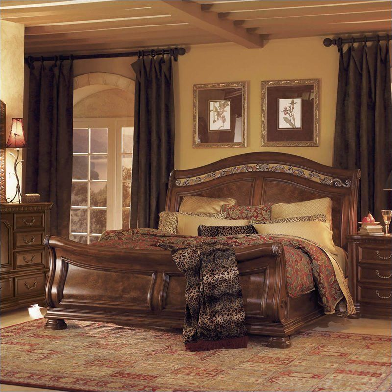 Wynwood Granada Queen Sleigh Bed in Cordillera Pine 1604 ...