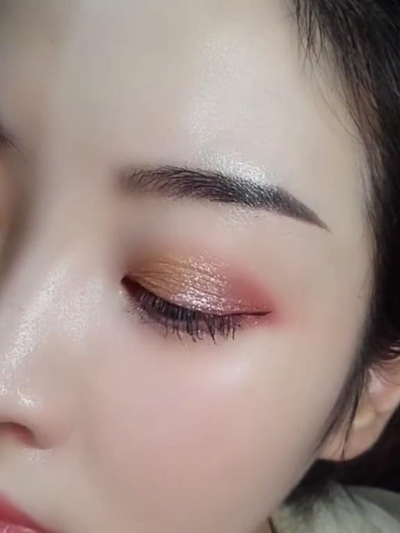 21 Eye Makeup Tutorials For Beginners of 2020