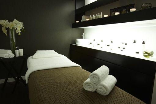 Cabine de soin esth tique spa institut de beaut decoration pinterest treatment rooms - Salon de soins esthetiques ...