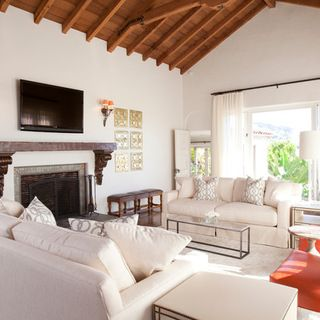 Houzz Tour Global Flavor For A Mediterranean Style Home