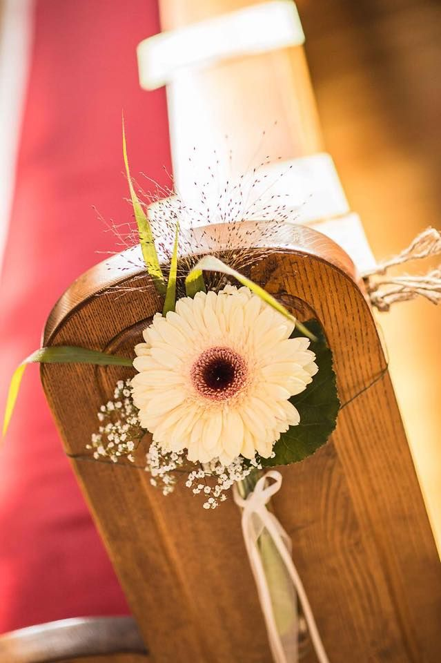 Kirchendeko, vintage wedding, Gerbera/Daisy | Wedding ...