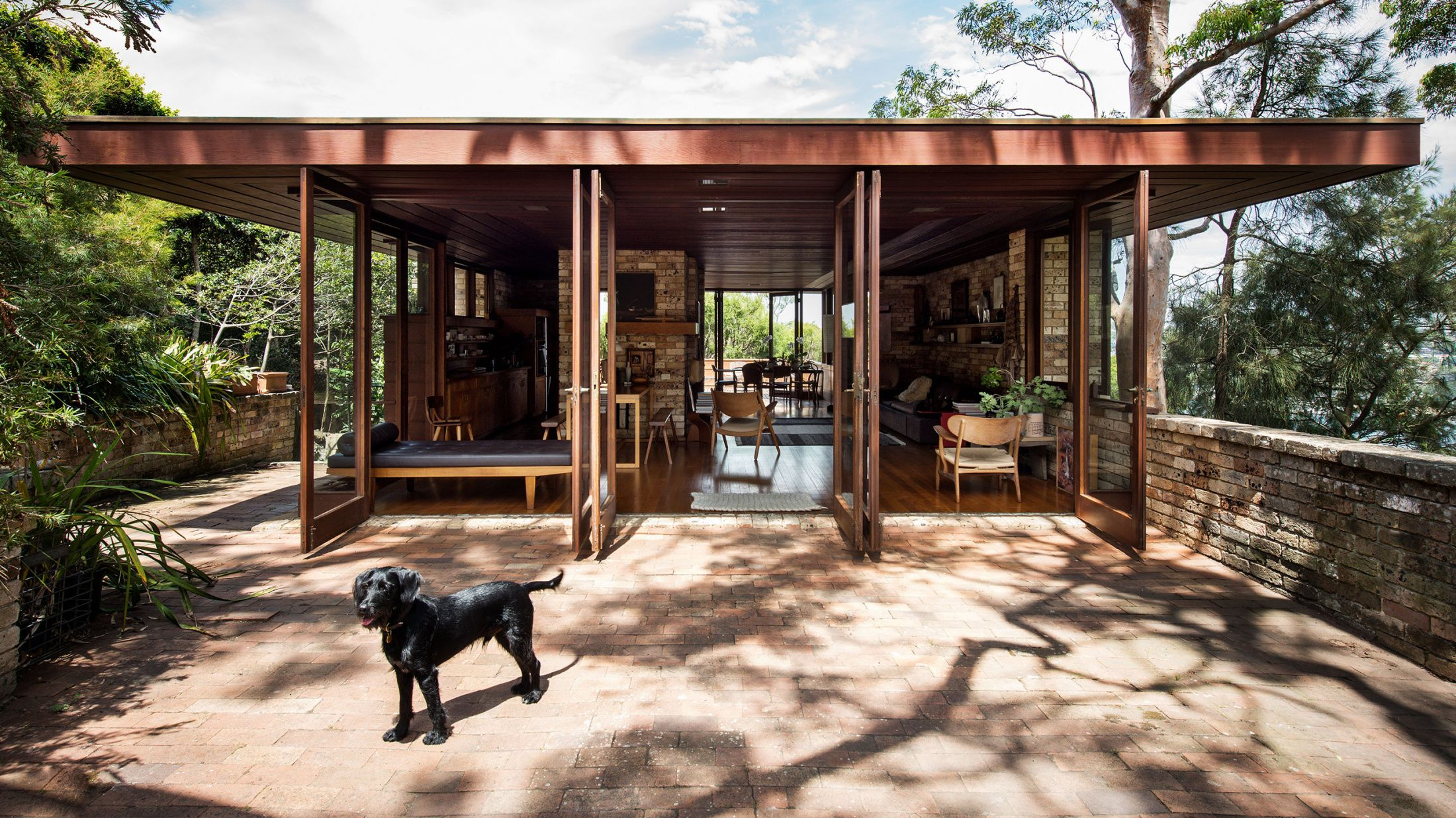 The Dogs Who Live In Some Of Australia S Most Magnificent Homes Pergola House Exterior Australian Homes