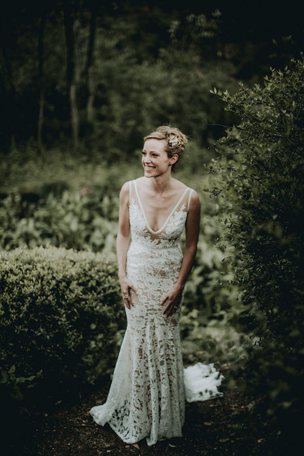 Natural Garden Wedding In Austin Texas Lace Weddings Wedding