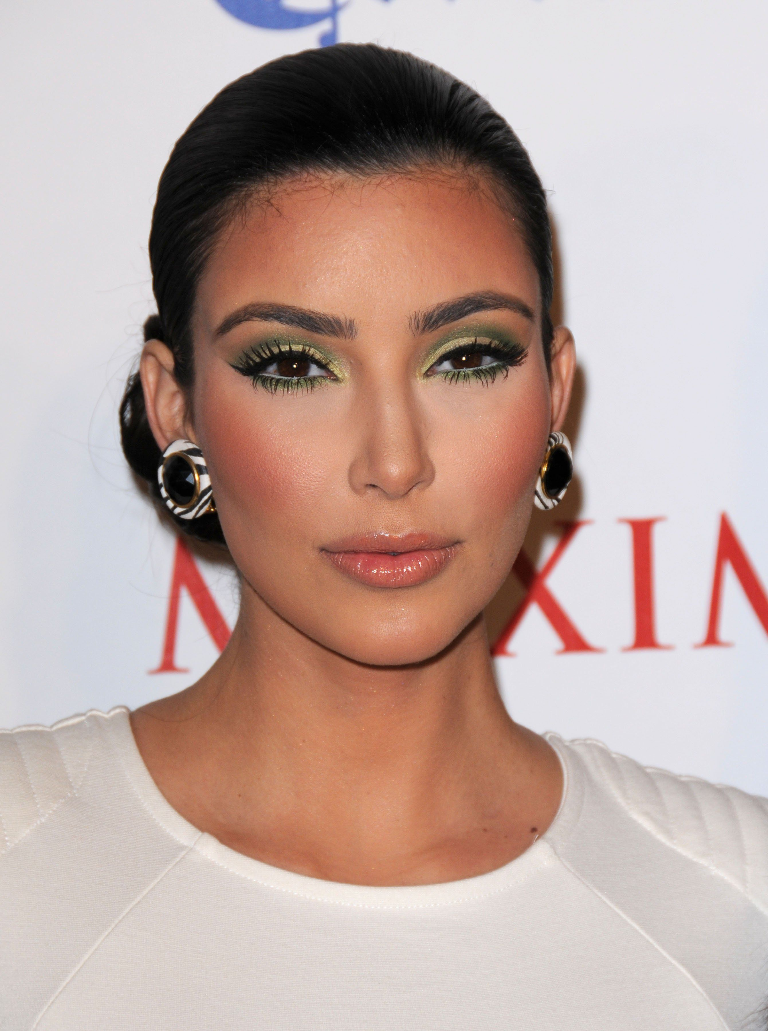 Kim Kardashian's Beauty Routine: Four Eyeliners, Ombre Brows And Sleeping In Make-Up