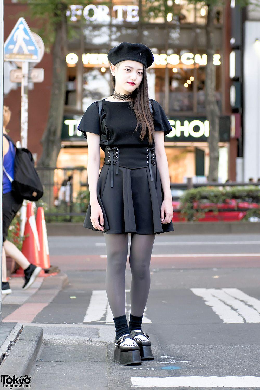 6fba15ab2b33 Monochrome Harajuku Street Style w  Pameo Pose Platform Creepers ...