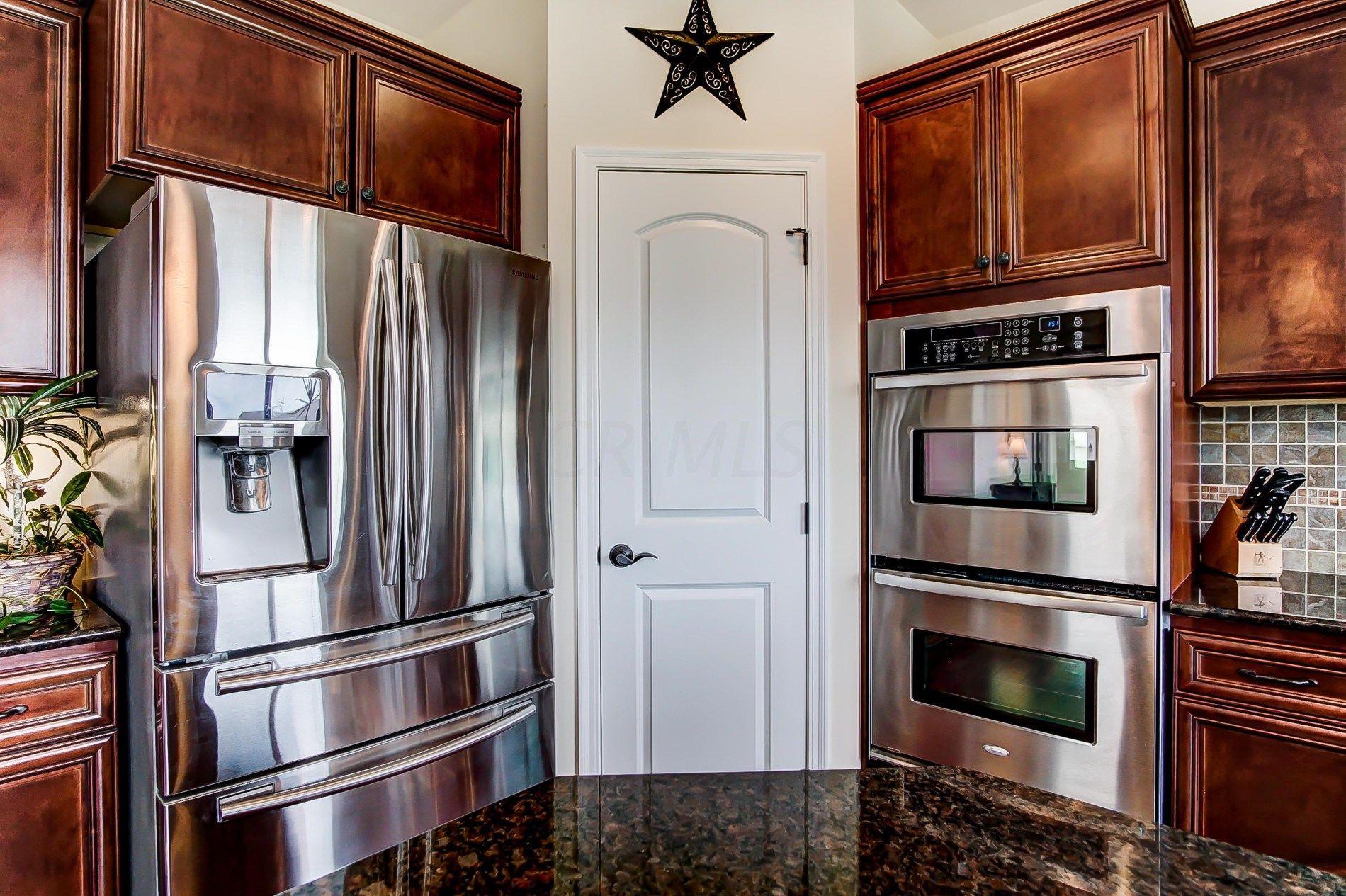 6635 Baronscourt Loop Dublin Oh 43016 Mls 218030111 Listing Information Her Realtors Columbus Cincinnati Dayton Ohio Ohio Real Estate Home Realtors
