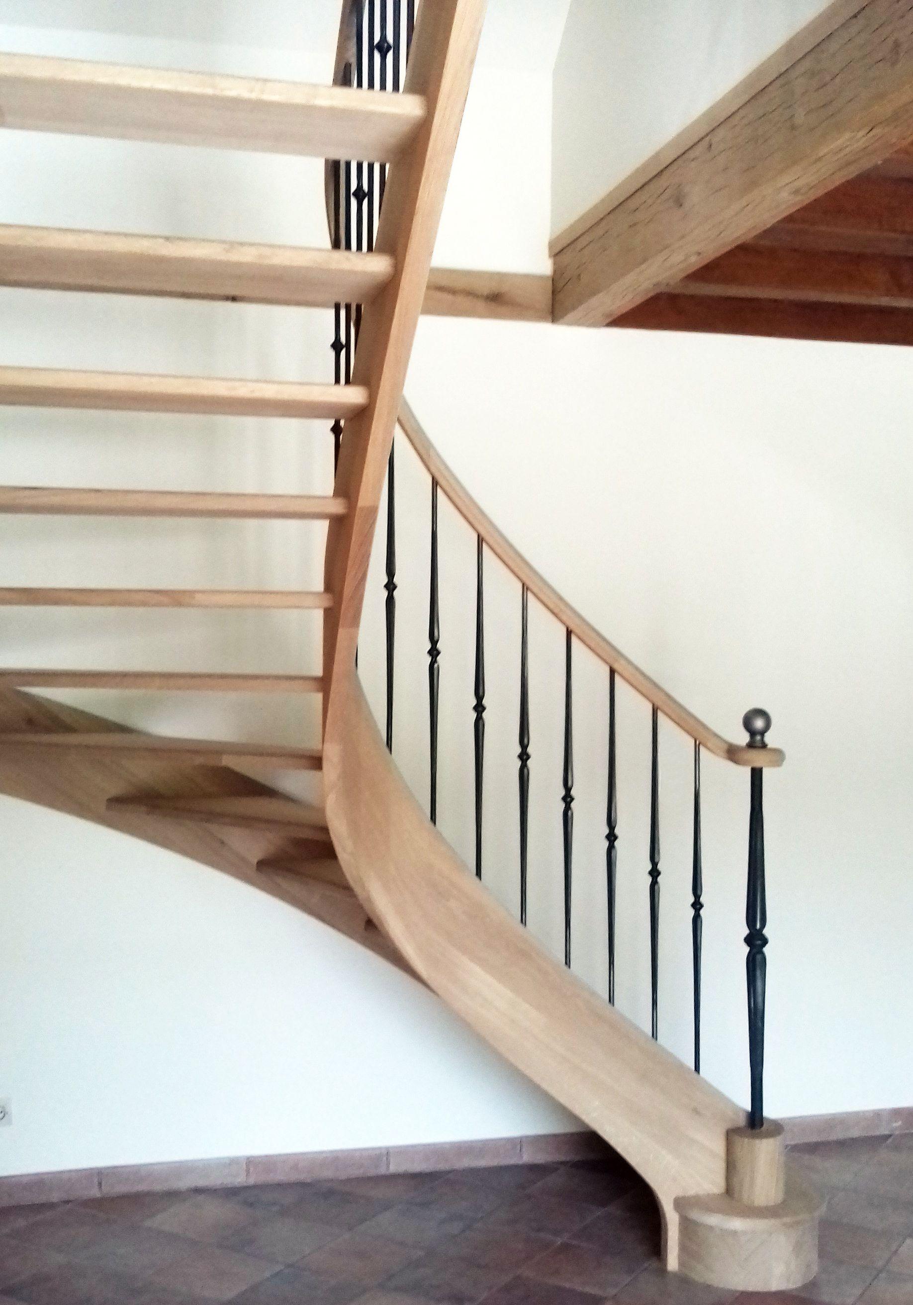 Escalier Droit Sans Rampe concernant escalier en bois débillardé. escalier quart tournant en chêne massif