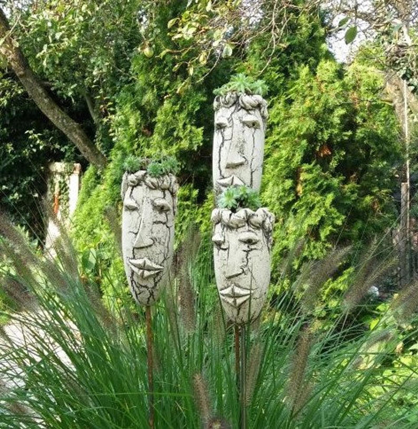 SUKKULENTENKOPF – Gartenkeramik – Dekoration Garten (Höhe 25cm   Breite 10cm)
