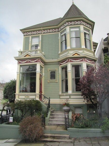 Painted Ladies   San Francisco, CA Victorian Style Homes