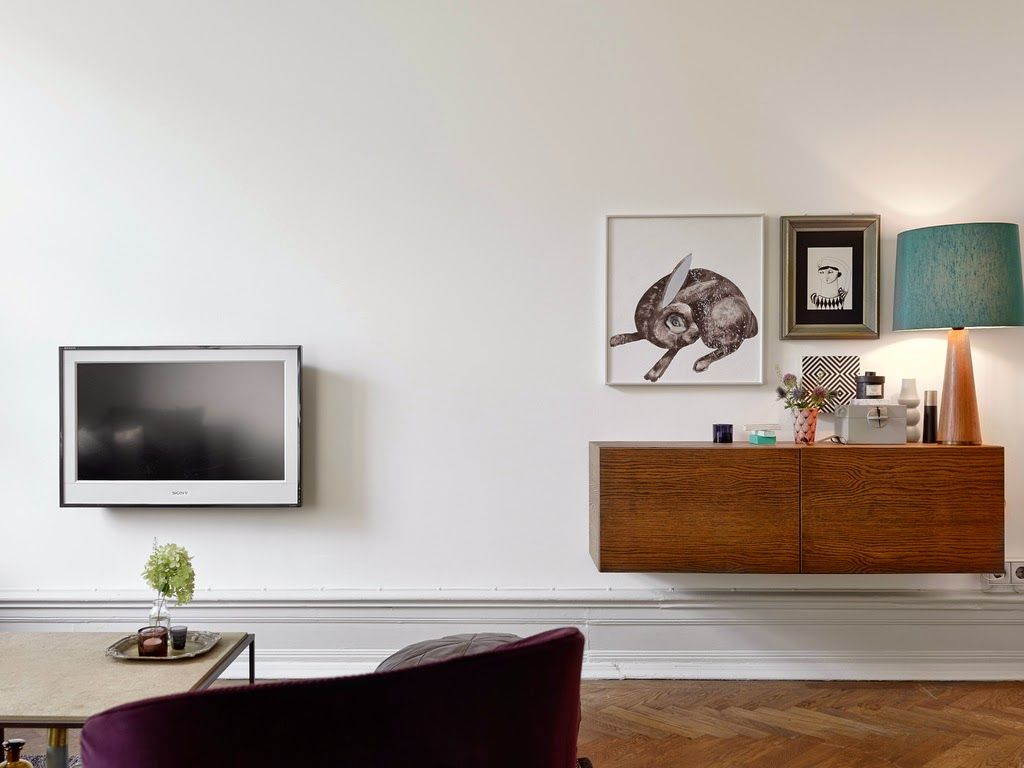 floating credenza-thingy, nice workaround for aggressive baseboards ...