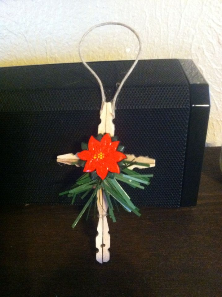Clothespin cross my pinterest redo 39 s pinterest for Mini clothespin craft ideas