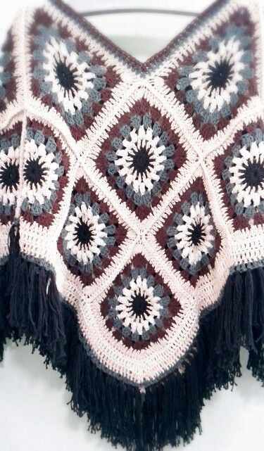 Poncho by Shanny Cafe Crochet | Ponchos | Pinterest | Ponchos, Chal ...