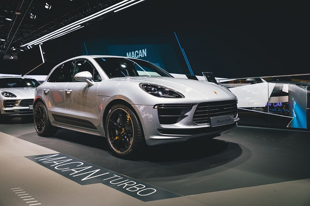 2021 Porsche Macan Changes Next Gen Announced Ev Is Coming In 2020 Porsche Macan Turbo Porsche Turbo