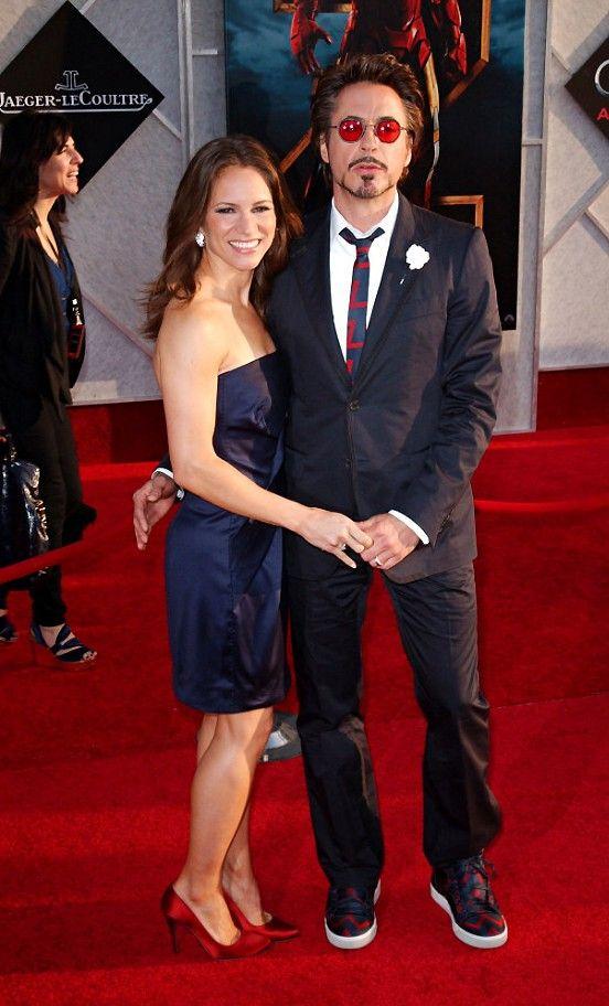 Studniowka Granatowa Sukienka Czerwone Buty Forum Wizaz Pl Celebrity Pictures Susan Downey Celebrities
