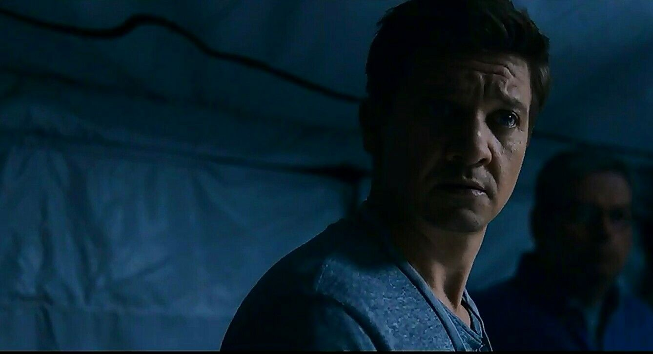 jeremy renner as ian donnelly in arrival jeremy renner jeremy renner as ian donnelly in arrival