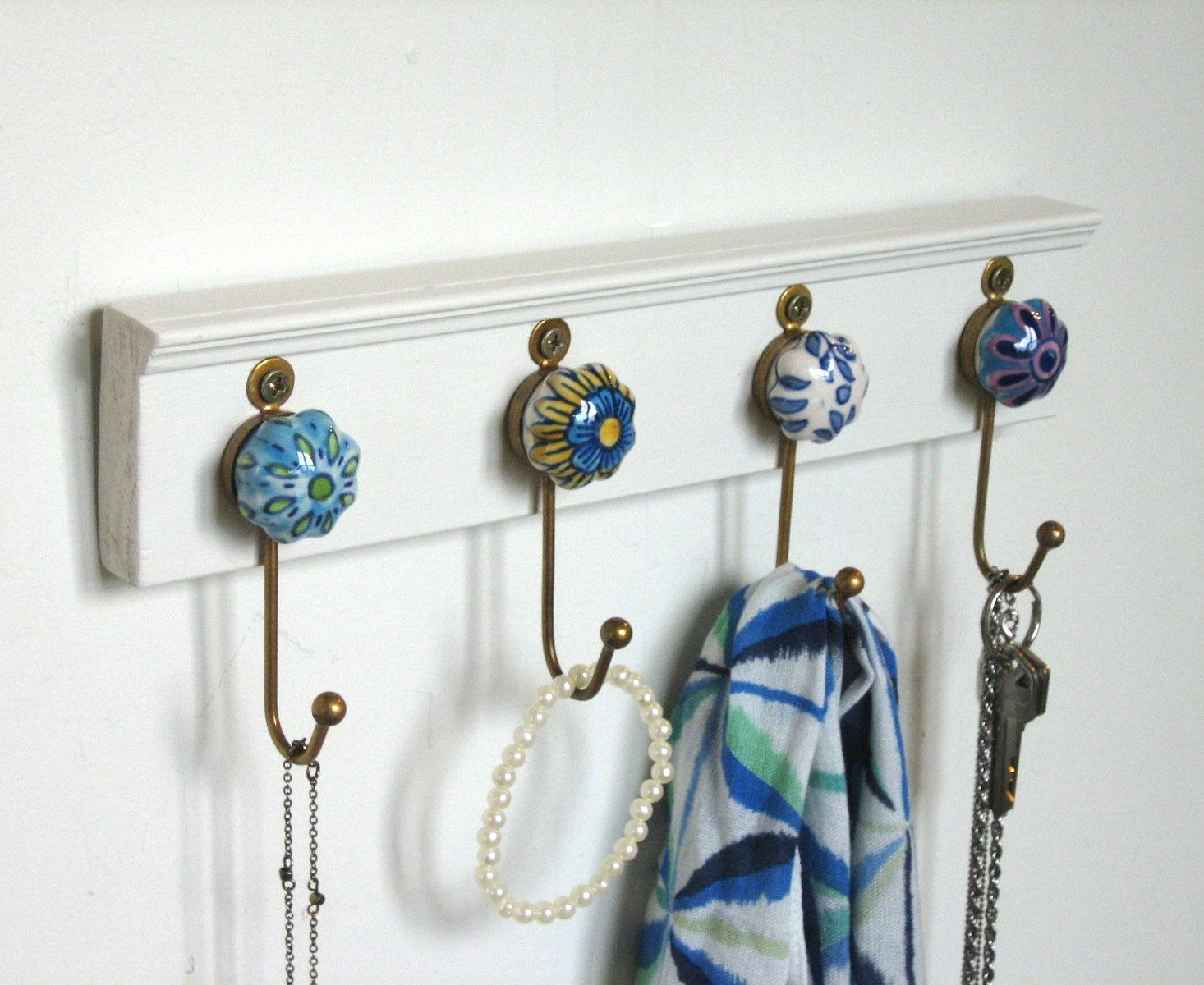Wall Hooks / Key Rack / Necklace Hanger with 4 Ceramic and
