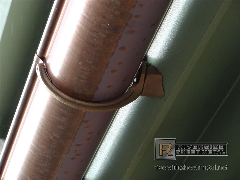 6 Half Round Copper Gutter With Under Mount Brass Hanger Copper Gutters Seamless Gutters Gutters