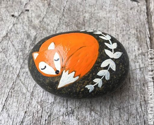 DIY Painted Rock ideas - Fox Rock - Folk Art - Kindness Rocks Project - Painted Rock Ideas #makekindnessrock MichaelsMakers Lil Blue Boo