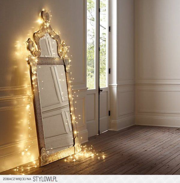 12 Ideas for Year-round Christmas Lights Decoration in the Bedroom - Wave  Avenue - 12 Ideas For Year-round Christmas Lights Decoration In The Bedroom