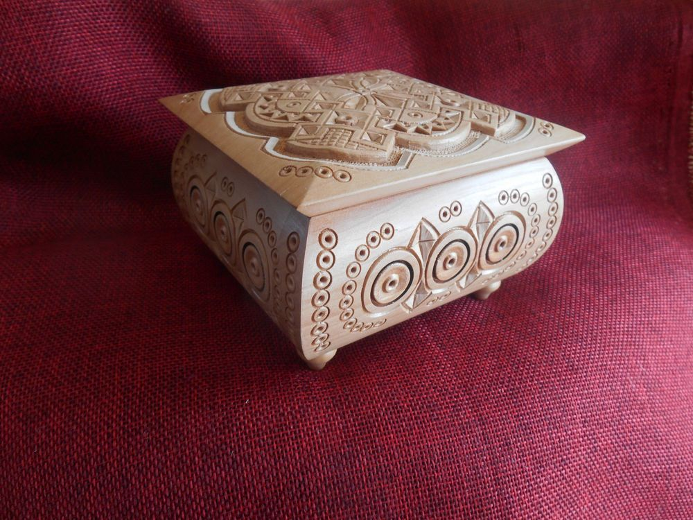 Details About Wood Carved Box Suvenir Necklace Gift Box Jewelry Gift