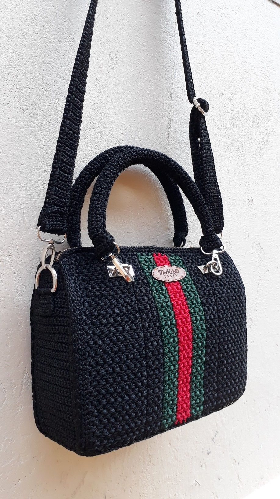 Best 12 Bobble Stitch Handbag Crochet Pattern with Video Tutorial red purse Why spend money on simple bags, when you can make this bobble stitch handbag all by yourself. The place where construction meets design, beaded crochet is the act of using beads to embelD – SkillOfKing.Com #crochetformoney