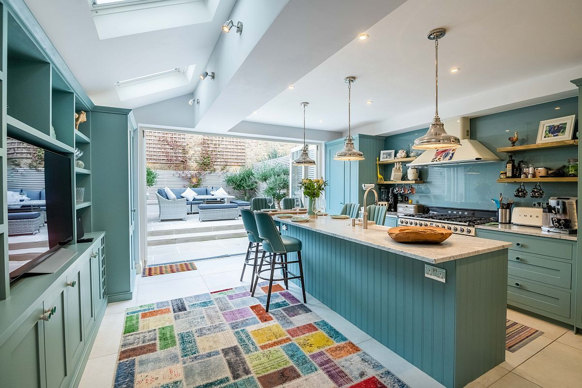 Blue Links The Kitchen With The Rear Yard And Creates A Sense Of Continuity Decoist In 2020 Kitchen Color Trends Kitchen Color Summer Kitchen