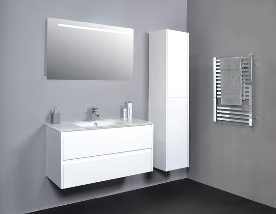 Proline badkamer, hoogglans witte badkamer. | INK✭ | Pinterest ...