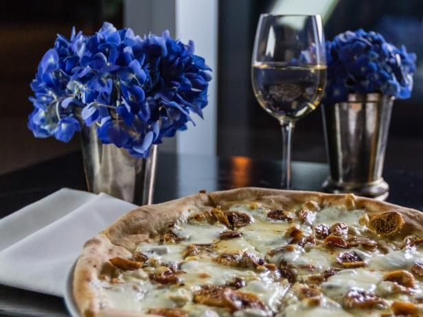 Theas fig and gorgonzola pizza recipe pizzas entrees and recipes get theas fig and gorgonzola pizza recipe from cooking channel forumfinder Images
