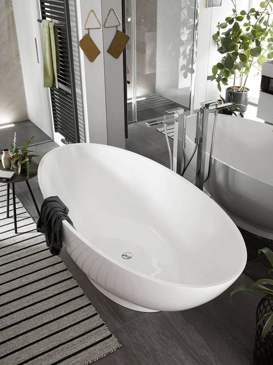 Designmixer and oval bath tub. Learn more about hansgrohe Metropol ...
